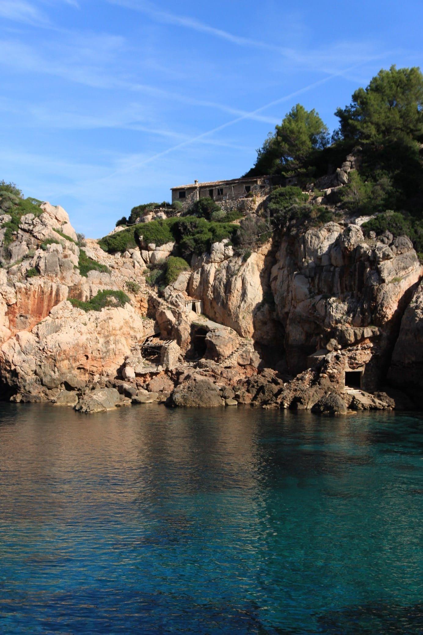 Coaching Wal auf Mallorca Impression einer Schlucht mit türkisblauem Meer